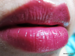 Revlon just bitten kissable balm stain,Lovesick read my review here http://www.srinjla.com/2013/08/lipstick-challenge-day1.html#.Ul2BsRaXulJ