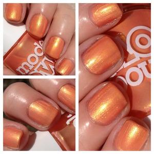 Models own golden peach