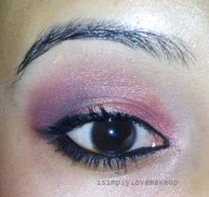 Here is the look... Your views are really WELCOME! And I would love you guys to be brutally honest with me :D Source : http://isimplylovemakeup.blogspot.in/2012/11/eotd-red-smokey-eyes-yes-red-p.html