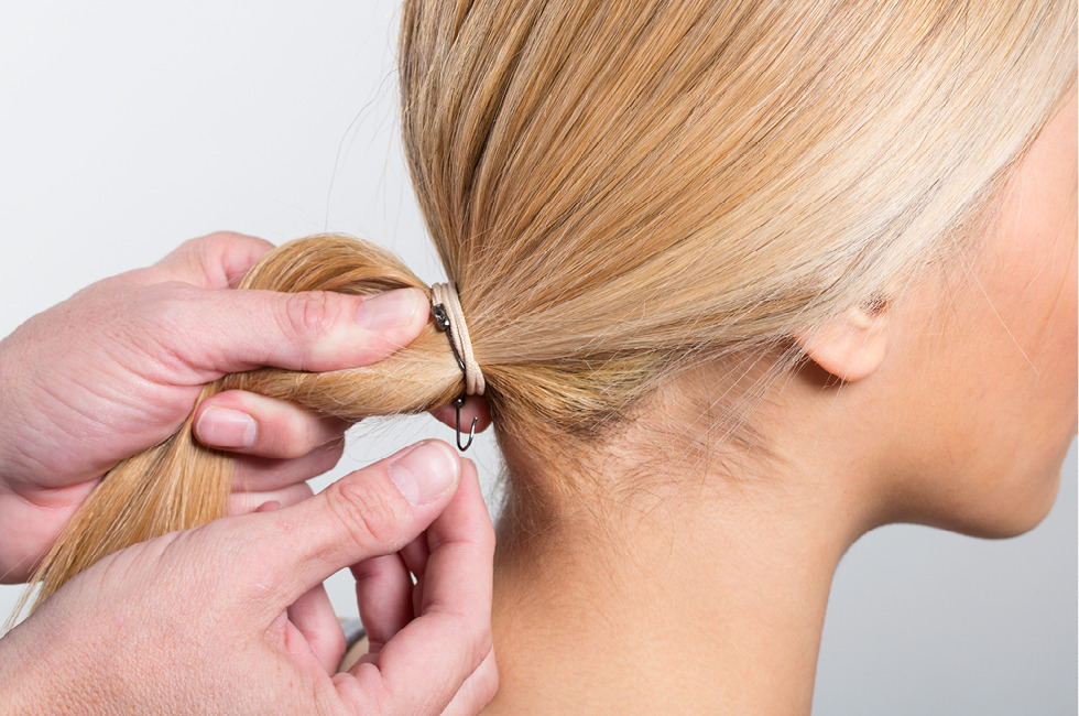 A Party Perfect Hairstyle That S Truly Easy Meet The Low