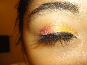 I'm doing an Indian bridal look. This is for my customer who's make-up is going to be done for her wedding on saturday, we went with a less heavy look. Inspired by the colors of India.