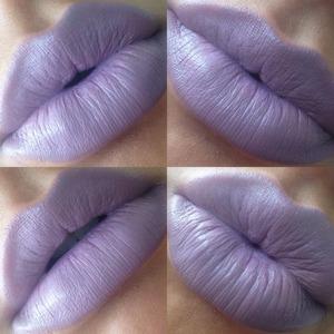 💋💜💄 #lotd #limecrime #limecrimechinchilla  #motd #lipstick #ilovemakeup #lips #makeupaddict #lipstickjunkie #biglipsdoitbetter💄💜💋