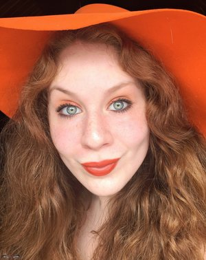 #nationallipstickday. http://www.thaeyeballqueen.com/makeuplooks/flirty-grapefruit-orange-makeup-look/