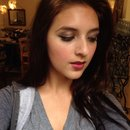 Natural skin, simple makeup