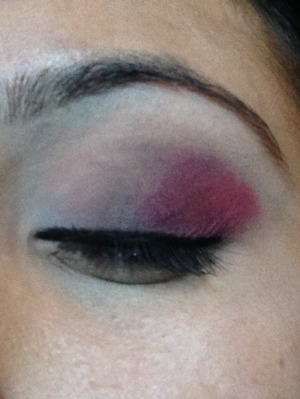 Not good lighting but this is a pink matte look with sephora eye shadows
