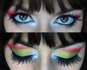 My birthday makeup  green/yellow eyeshadow: TheBodyNeeds loose eyeshadow Atlantis and TheBodyNeeds loose eyeshadow Lemon Drop