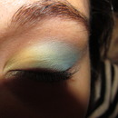School Colors Eyeshadow Look