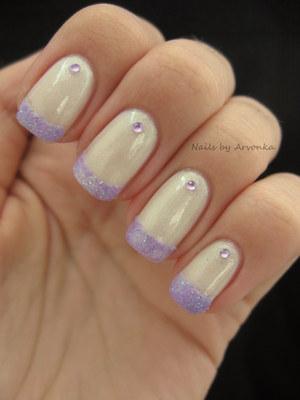 http://arvonka-nails.blogspot.sk/2012/08/fialove-glitre.html