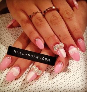 • Light Pink • White • 3D Design - BOW  • Intricate Diamonds