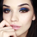 Dramatic Glitter Smokey Eye