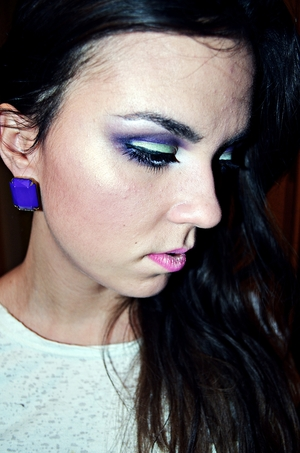 I love the contrast of green and purple ;)