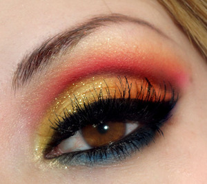 2nd Hunger Games Inspired Look!   http://bowsandcurtseys.blogspot.com/2011/07/katniss-everdeen-girl-who-was-on-fire.html