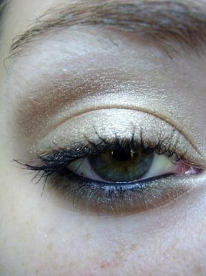 Golden Green Look