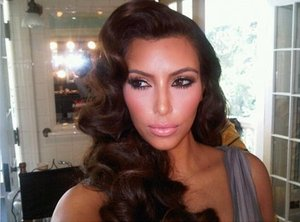 Retro Body Waves is great on hair that is in Good Condition Kimmy needs to give her hair secrets :)