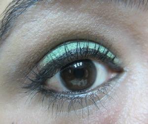 check here for tutorial http://www.srinjla.com/2013/10/30-days-eye-makeup-challengeday10.html#.UmBxNBaXulI