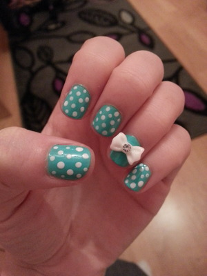 I had to cut my nails all down so I thought I'd try and make them look cute still!