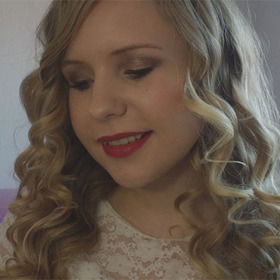 Taylor Swift inspired Hair- and makeup