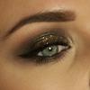 Gold glitter smokey eyes