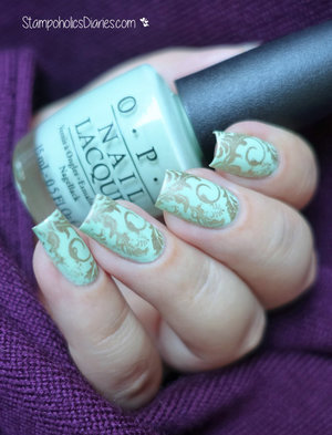 http://stampoholicsdiaries.com/2015/11/17/mint-gold-nails-with-opi-essie-and-bundle-monster/