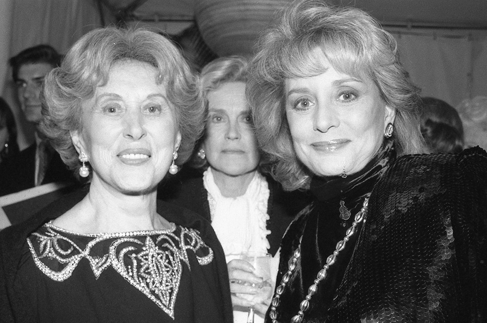 Estée Lauder and Barbara Walters. By Rose Hartman/Getty Images.