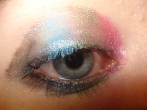 Pink, dark green, light blue and black.Before blending or mascara.