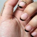 Elgant Halloween Nails