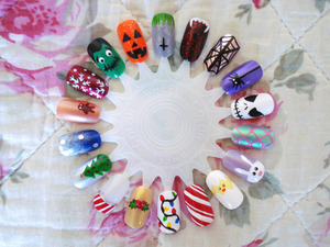 A holiday themed nail wheel with designs for christmas, halloween and easter. Close ups here: http://elburnbook.blogspot.com/2011/12/three-seasons-to-be-holy.html