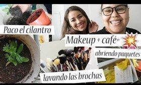 maquillaje+cafe igual a desastre en el hotel/abriendo paquetes/lave mis brochas de maquillaje