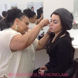 CHIC students learning contouring during our latest session.