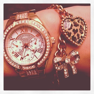 Guess rose gold wrist watch