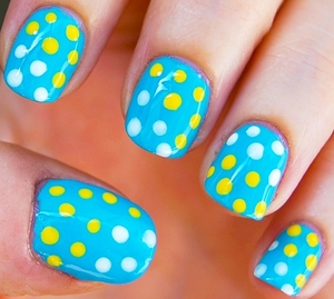Baby Polka Dots nails Tutorial: http://www.youtube.com/watch?v=0Go10iS2LsA - I used: base coat, baby blue, white and yellow polish, top coat, dotting tool. For especific brands/names please watch my tutorial.