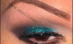 Smokey Glittery Teal Eyes