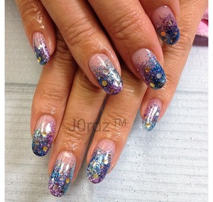 FOR DETAILS CLICK BELOW: http://fingertipfancy.com/blue-purple-hologram-nails