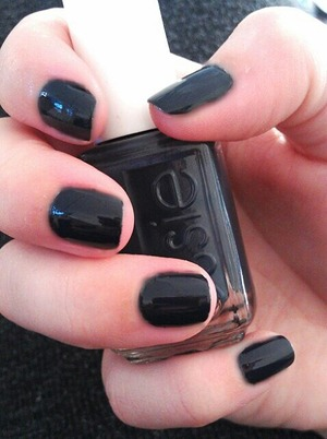 I know that these nails look black, but they are actually a very dark dusty blue :)