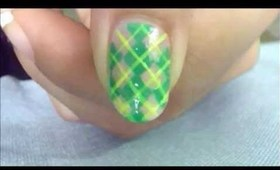 green check and yellow stipes nailart