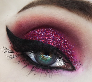 Products not listed: Medusa's Makeup Glitter in Love Missile