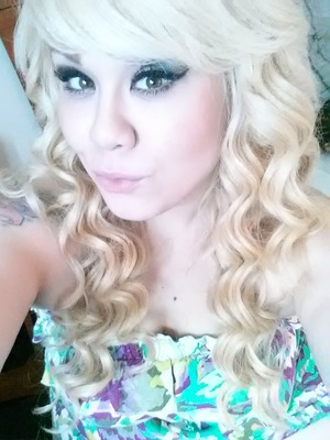 Cute waves for the summer look. Hope yall like :).