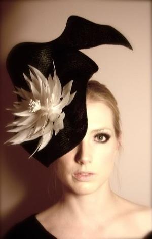 hair accessory, hat, fascinator, eyeliner, nude lip