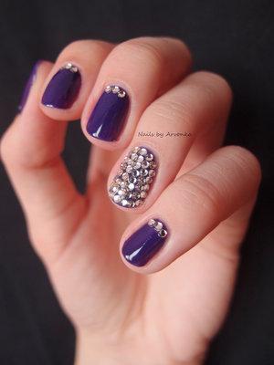 http://arvonka-nails.blogspot.sk/2014/07/kamienkove-nechty.html