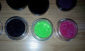 (From right to left) Hot kiss, Fresh Lime, Black, Purple and Platinum Baby