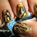 Stylish Gold Tiger Print Nails