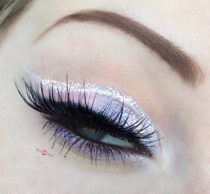 Pastels are my best friends. http://theyeballqueen.blogspot.com/2016/11/pastel-lavender-pink-glittery-cut.html