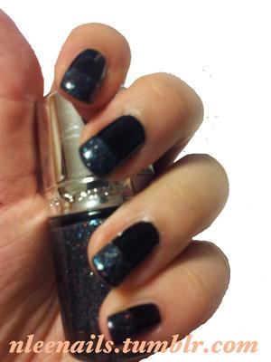 Black polish with a slight bling tip!  Follow me on Twitter: @nleenails Follow me on Tumblr: nleenails.tumblr.com