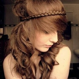 Simple messy hairstyle