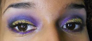 glitter!!! http://superbeautyguru.hostei.com