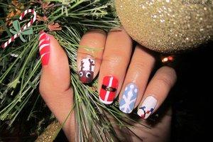 http://50shadesoflizxo.blogspot.com/2014/12/christmas-nail-art-2.html