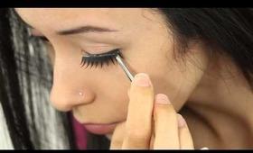 How To Apply False Eyelashes-Tutorial