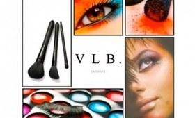 Kit Essentials; Disposable applicators from VictoriaLovesBeauty.com