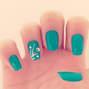 Green Nails with Silver Detail