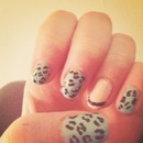 simple and fun leopard print nails